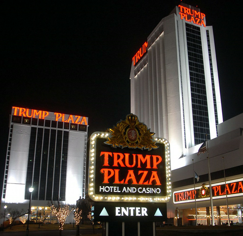 ". 8. ATLANTIC CITY <p>Casinos apparently never got the memo that the house is supposed to win. (unranked) </p><p><b><a href=""http://www.latimes.com/business/hiltzik/la-fi-mh-atlantic-citys-implosion-20140714-column.html\"" target=\""_blank\""> LINK </a></b> </p><p>   (William Thomas Cain/Getty Images)</p>"
