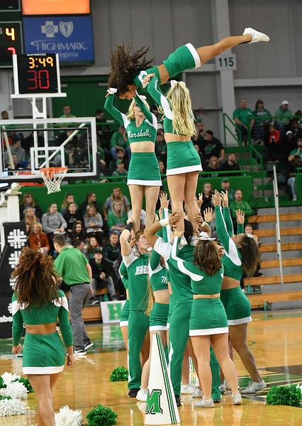 cheerleaders0410.jpg