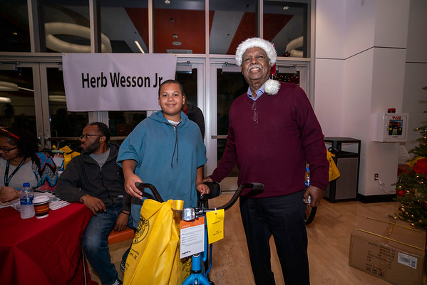 20191211 - GEORGE DOTSON TOY AND BIKE GIVEAWAY