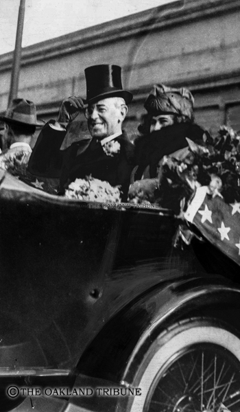 """. Oakland, CA September 17, 1919 - President and Mrs. Edith Wilson happily greet crowds on their arrival to Oakland. (E. A. \""""Doc\"""" Rogers / Oakland Tribune Staff Archives)"""
