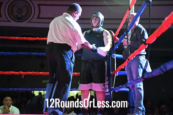 Bout #10:  Taylor Jenkins, Blue Gloves, GriffonRawl MMA, Painesville, OH  vs  Valdes Roundtree, Red Gloves, PAL-Thurogood, Cleveland, OH, Heavy Wt.-Sub-Novice