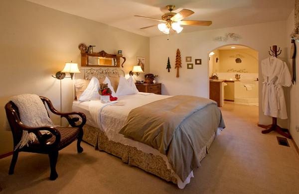 All Seasons River Inn Interiors