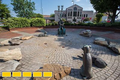 Story Teller Statue