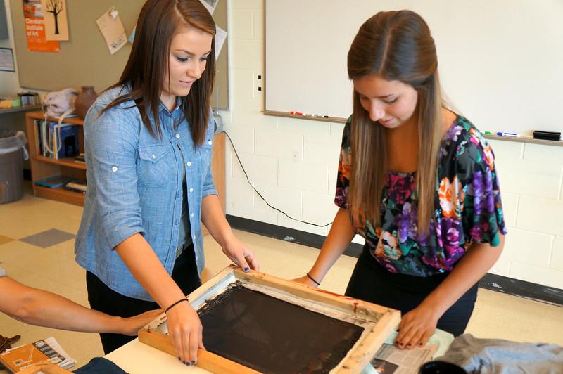 Lutheran-West-Art-Class-Silk-Screen-T-Shirts--September-2012--60.JPG