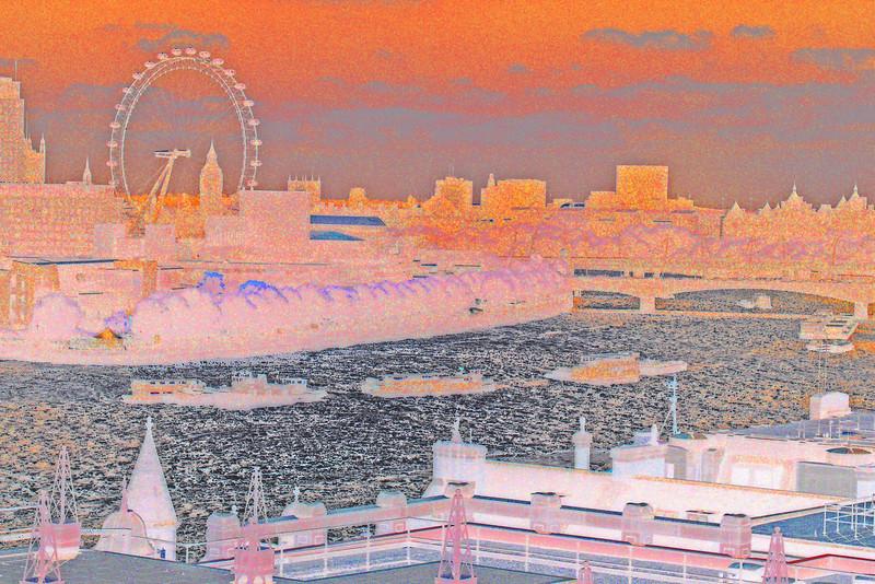 R.Thames,London~0021-2.