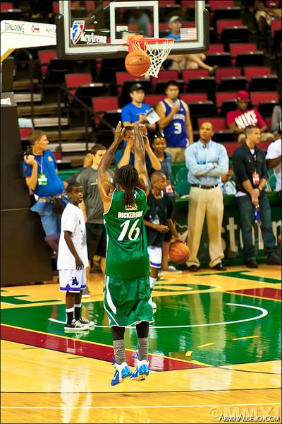 hoops206_2011-6.jpg