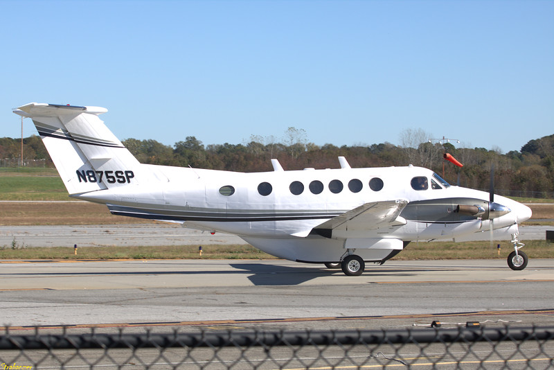 Beech 200 Super King Air c/n  BB-86  N875SP  + Cargo Pod
