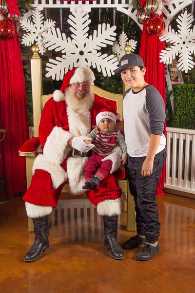 Santa 12-16-17-163.jpg