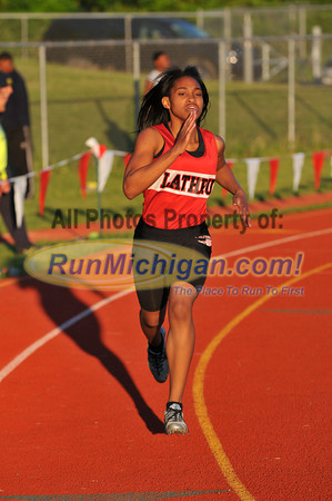 Girls' 400 Meters - 2013 Oakland County Track Meet