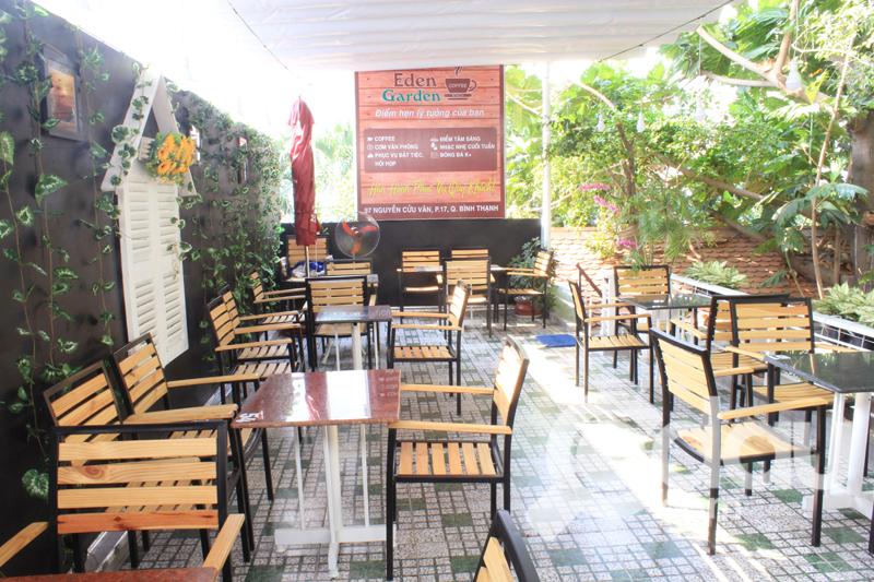 Cafe Eden Garden