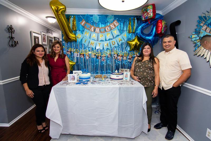 2020 10 Jose and Susanah Family _MG_057711.jpg
