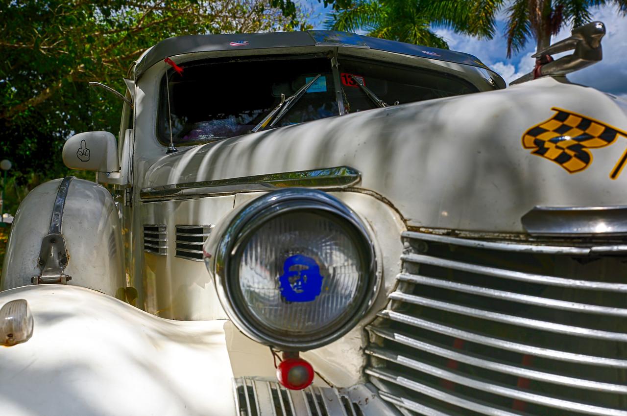 Che Headlights
