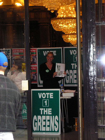 Election 2004 at Australia House, London