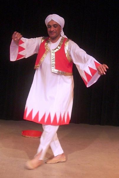 Momo dances (3).JPG