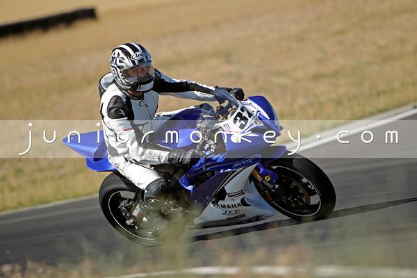 32 - Blue White R6