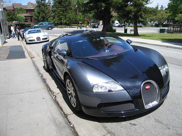 2 Bugatti Veyrons in Los Gatos