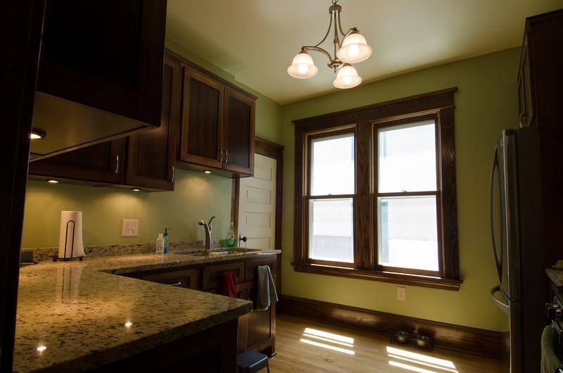 14 Kitchen 3.jpg