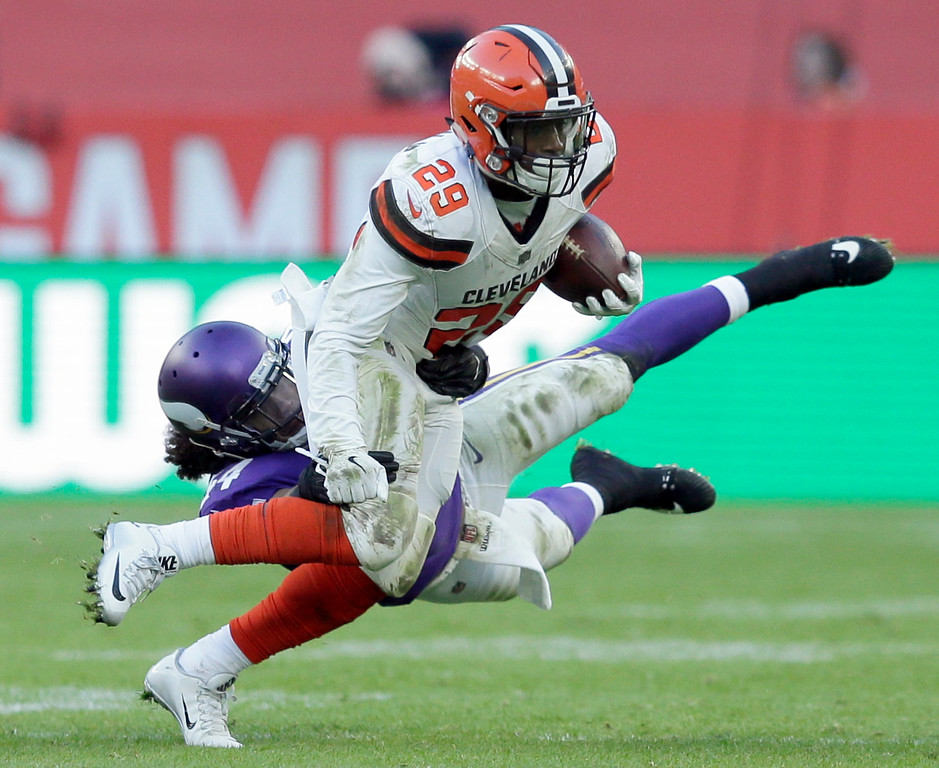 . Cleveland Browns running back Duke Johnson Jr. (29) runs with the ball during the second half of an NFL football game against Minnesota Vikings at Twickenham Stadium in London, Sunday Oct. 29, 2017. (AP Photo/Tim Ireland)