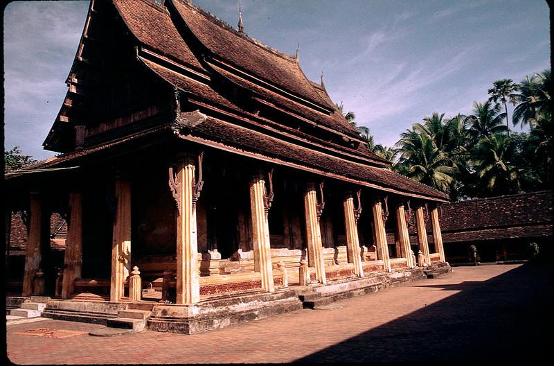 LaosCanada1_029.jpg