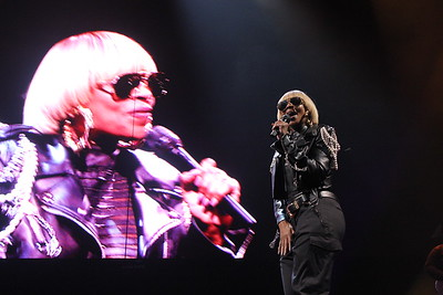 Maxwell and Mary J. Blige: King and Queen of Hearts Tour at the Wells Fargo Center in Philadelphia, PA