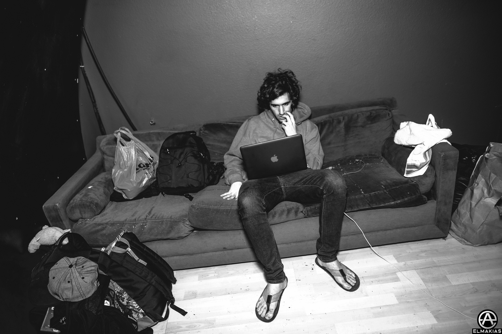 Dan of Real Friends waiting to go to stage