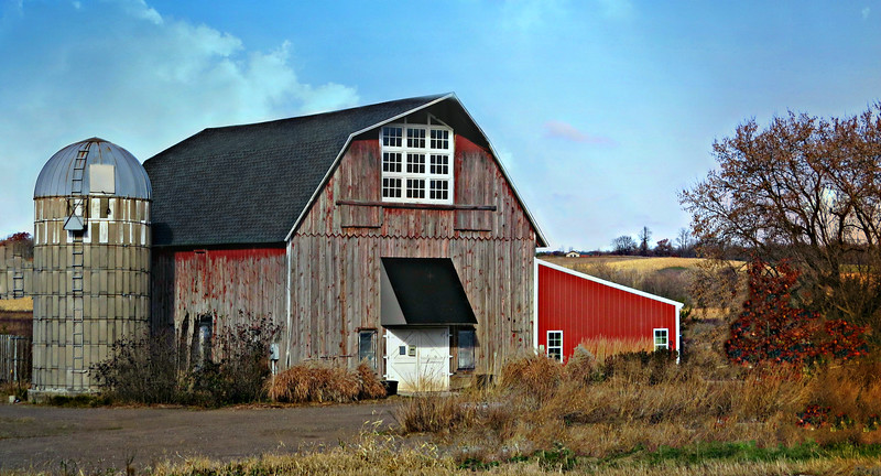 RUSTIC BARN WITH ATTACHED RED SHED