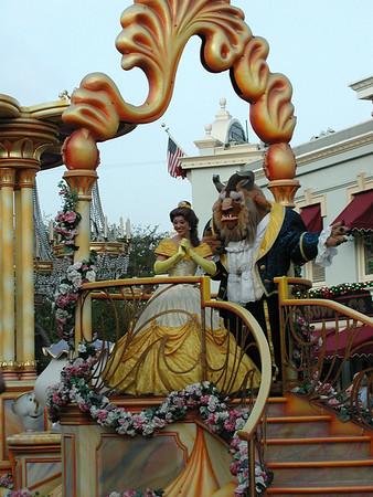 11/9/07 Disneyland with Madison
