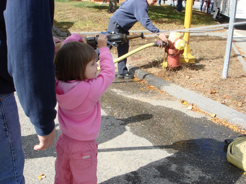 Oct07_playgroundandfirestation011.JPG