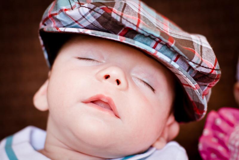 20120609 Elizabeth & Caleb Midgley - Newborn-0276.jpg
