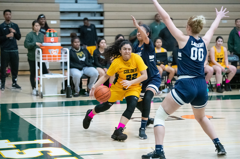 Basketball-W-2020-01-31-7827.jpg
