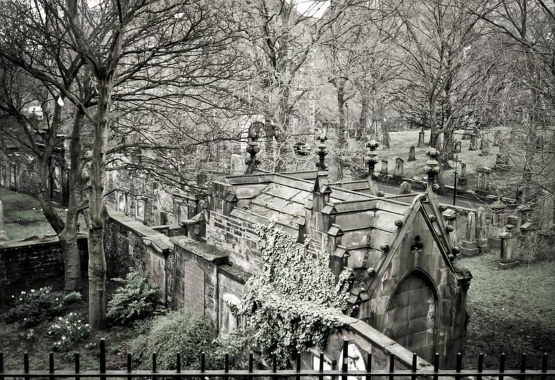 Cemetery in Edinburgh 1999