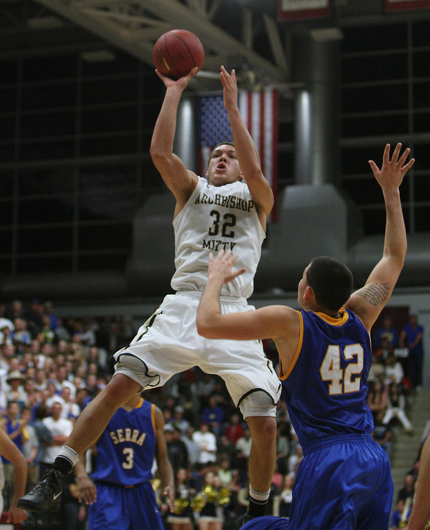 . Mitty\'s Aaron Gordon shoots in the fourth quarter during the CCS Open Division boys basketball finals at Santa Clara University in Santa Clara, Calif. on Saturday, March 2, 2013. The Archbishop Mitty Monarchs beat the Serra Padres, 55-46. (Jim Gensheimer/Staff)