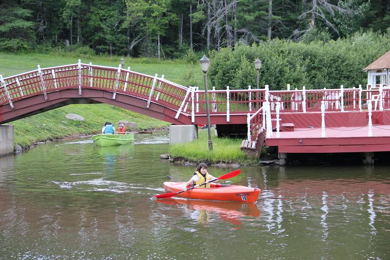 kars4kids_thezone_camp_girlsDivsion_activities_boating (42).JPG