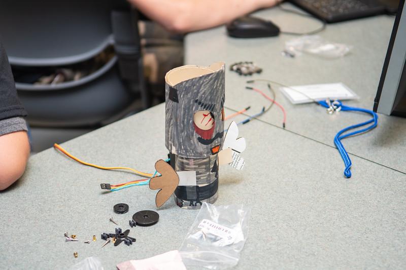 2019_0619-STEM-TronicsCamp-MK-6623.jpg
