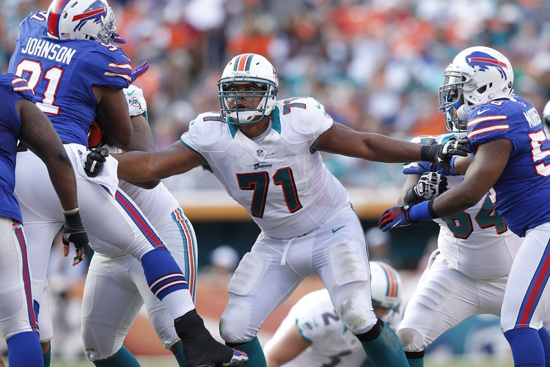 . <p><b> Bengals at Dolphins (+3):</b> <p>Miami offensive tackle Jonathan Martin abruptly left the team in a huff this week after teammates pulled a prank on him. The news came as a shock to opposing defensive ends, who hadn�t noticed Martin at all this season on their way to sacking Ryan Tannehill. <p>Pick: <b>Dolphins by 3</b> <p>    (Joel Auerbach/Getty Images)
