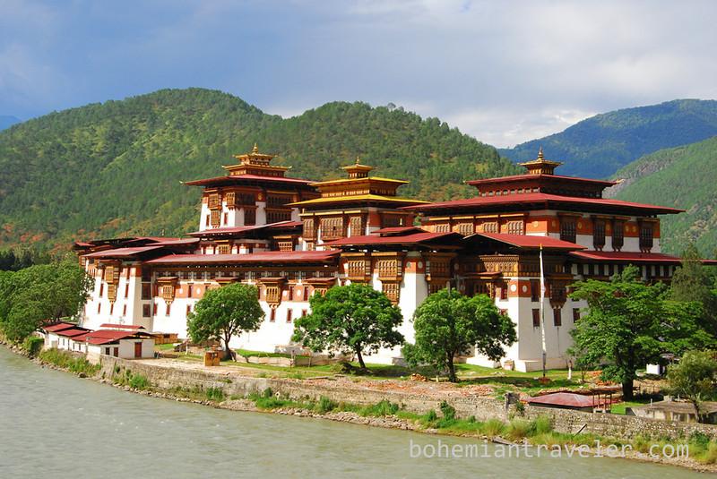 Punakha Dzong Fortress Bhutan (2).jpg