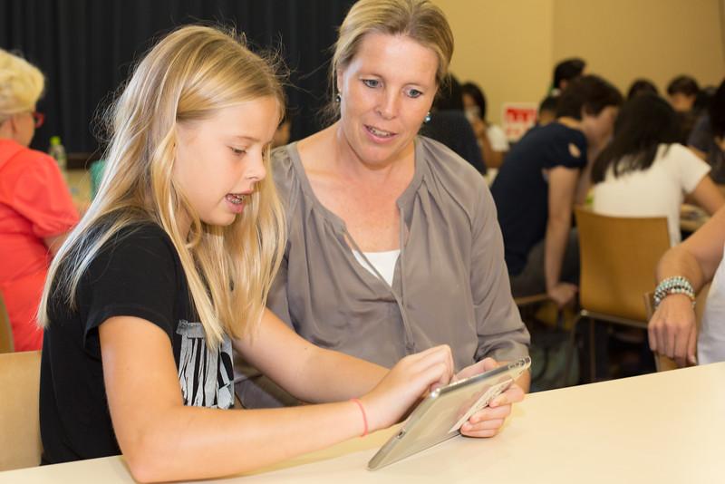 Grade 7 iPad Rollout-5.jpg