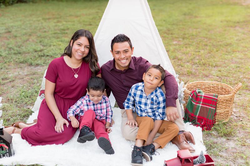 Ariza Family 2020-7.jpg