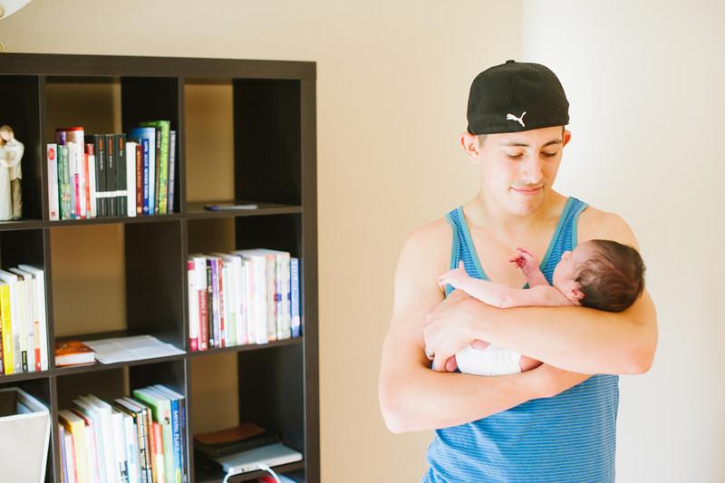 20120925-Levi-newborn-20.jpg
