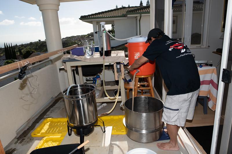 Hawaii - Brewing Beer-60.jpg