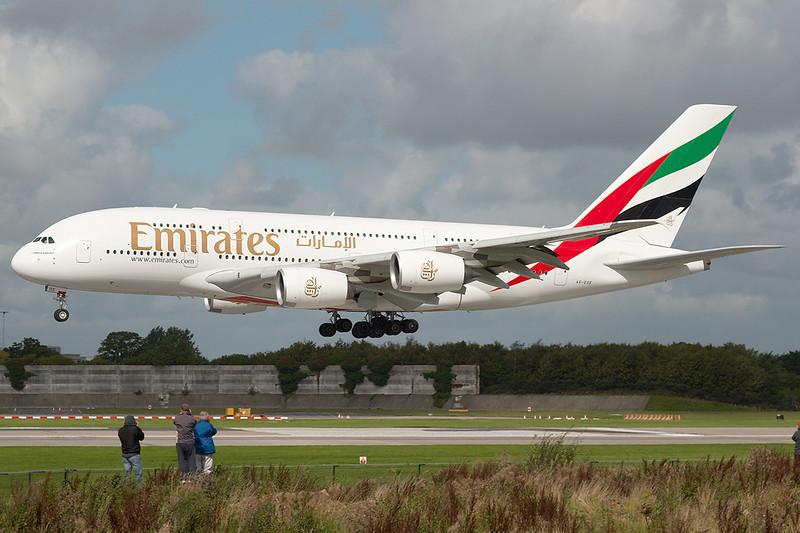 SkyMover_MAN12092010_Emirates_A6-EDE.jpg