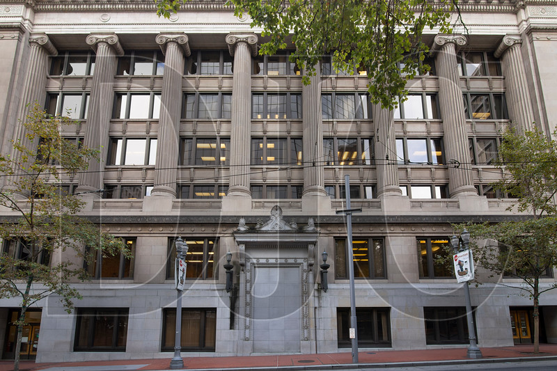 A walled-off pedestrian entry to the Multnomah County Courthouse along Southwest Fifth Avenue would be re-opened as part of an adaptive re-use and remodel of the historic building. (Sam Tenney/DJC)