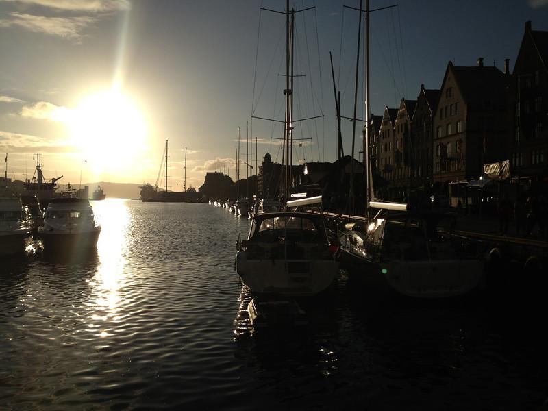 Torget i Bergen 01.07.2013. iphone.5