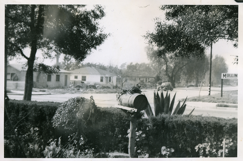 1940s-reyes-front-yard-looking-across-the-street.png