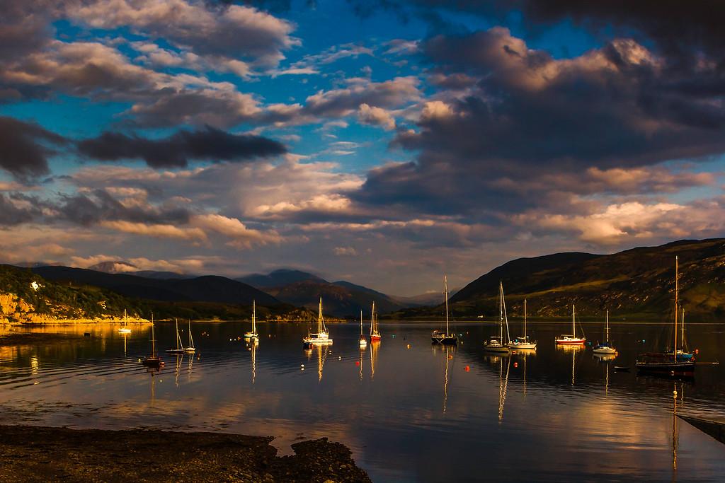 苏格兰阿勒浦(Ullapool),黄昏美景