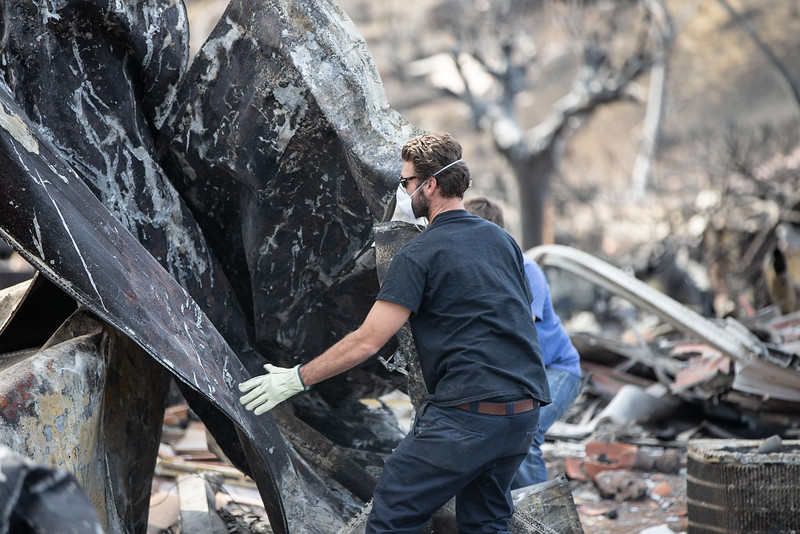 11.15.18 Woolsey Fire Family Returns to Home by Heather Fairchild-2.jpg