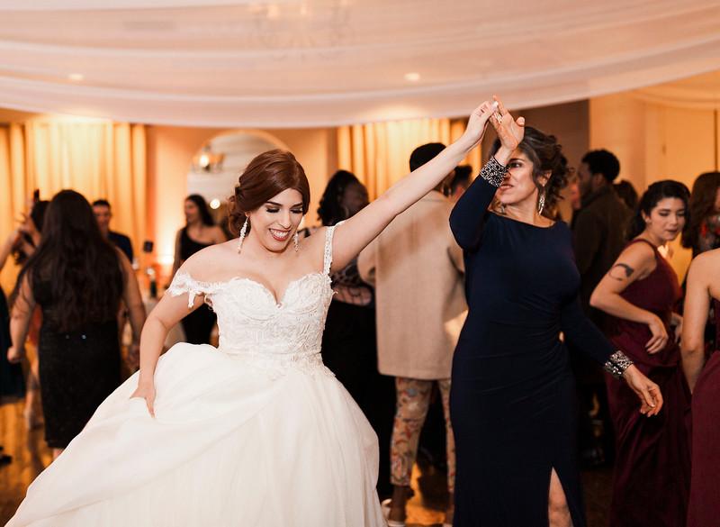 Alexandria Vail Photography Wedgewood Fresno Wedding Alexis   Dezmen839.jpg