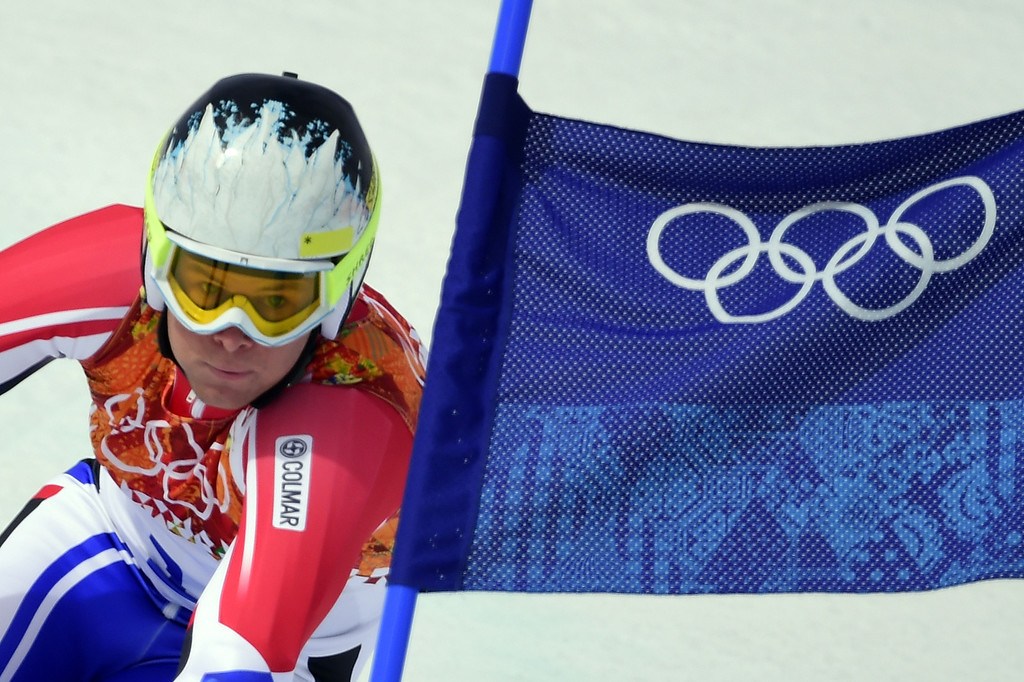 . France\'s Alexis Pinturaut competes during the Men\'s Alpine Skiing Giant Slalom at the Rosa Khutor Alpine Center during the Sochi Winter Olympics on February 19, 2014. AFP PHOTO / OLIVIER MORIN/AFP/Getty Images