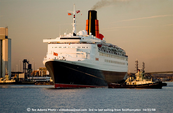QE2 3rd to last sailing from UK 10/22/08