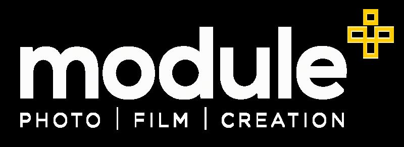 module+_weiss-auf-schwarz-transparent.png